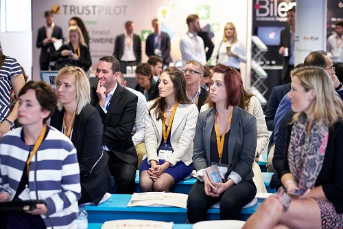 On-floor seminars at Europe's Customer Festival 2015