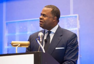 The Mayor of Atlanta Kasim Reed speaking at a home delivery event